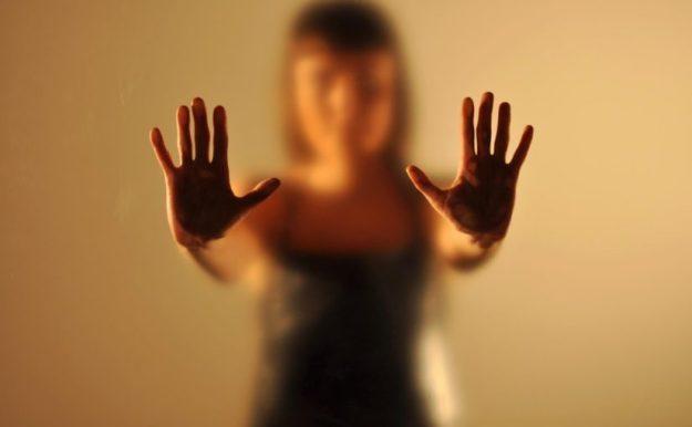 Куда тело прячет душевные страдания: 7 частых психосоматических заболеваний