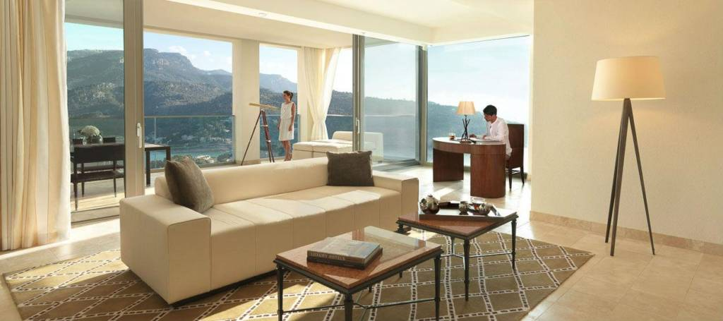 jumeirah-port-soller-hotel-and-spa-observatory-suite-05-hero