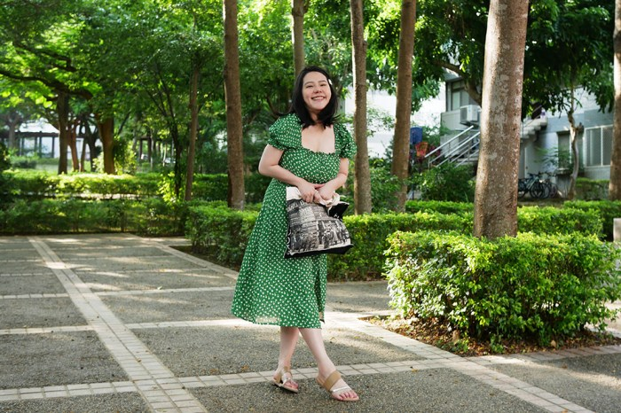 [穿搭] 悠長之夏,舒適至上。涼鞋穿搭,SnN溫度真皮手工鞋