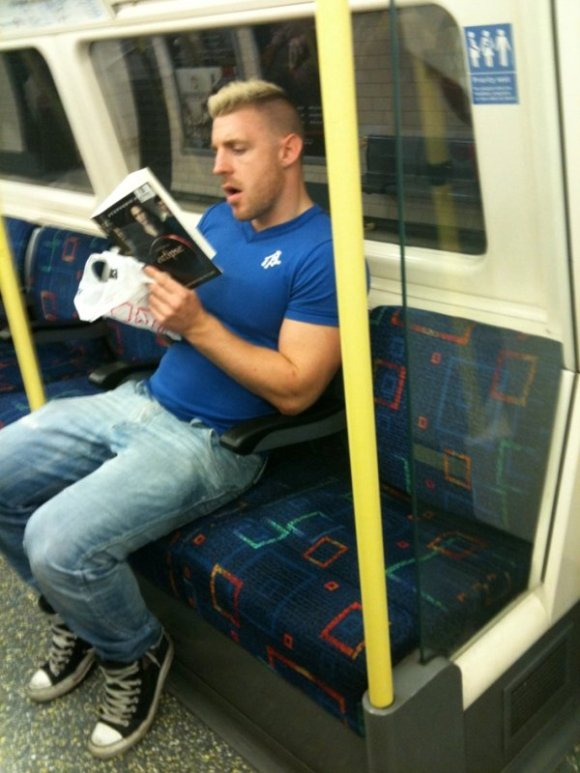 Total Eclipse of the Hunk - TubeCrush.net