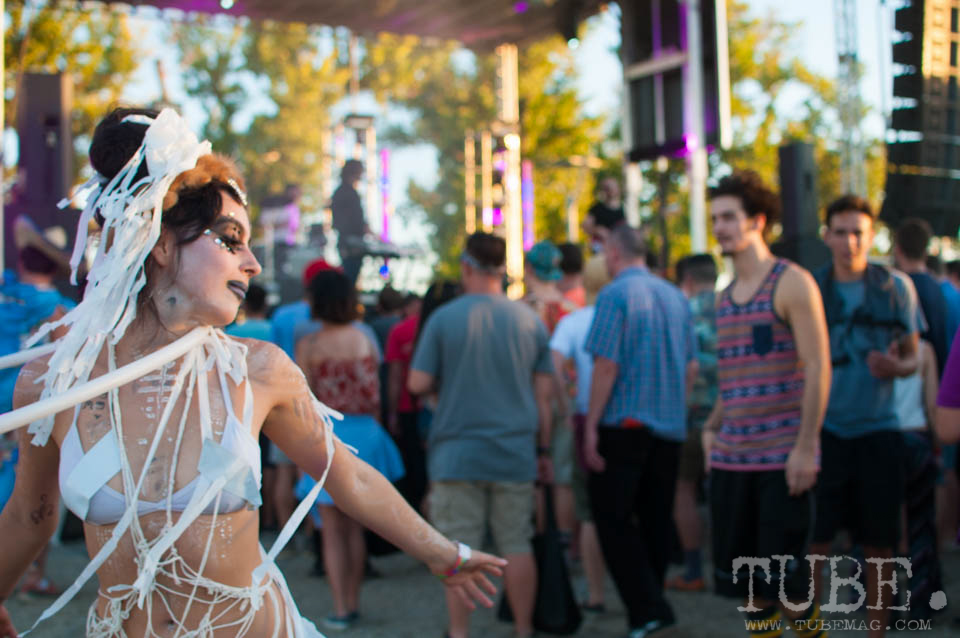 """Festival-goers, Tigers Blood, went all out with costumes and dancing. Photo Heather """"the intern"""" Uroff"""