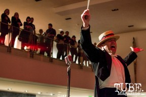 Peter Petty singing at the TUBE. ArtMix Vaudeville at the Crocker in Sacramento, Ca. March 2016. Photo Alejandro Montaño