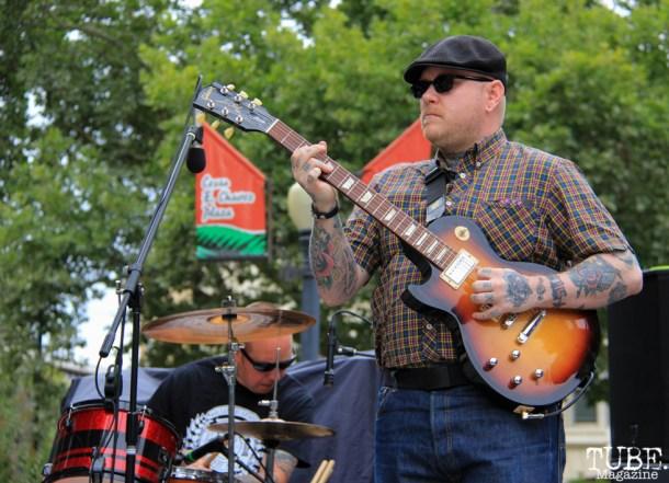 The Scratch Outs guitarist, Mike Bruce, Concerts in the Park, Cesar Chavez Park, Sacramento, CA. June 17, 2016. Photo Anouk Nexus