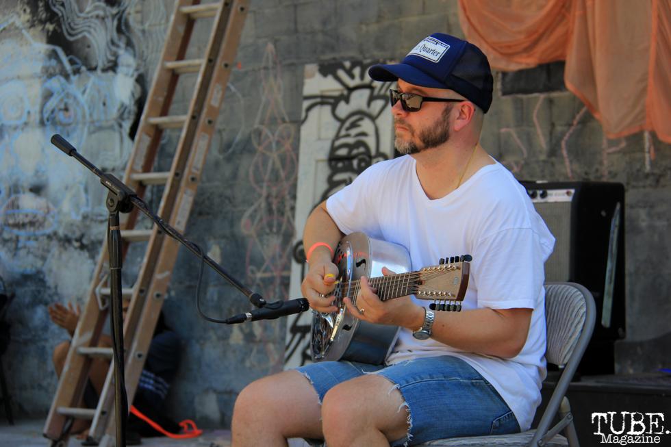 Ross Hammond playing Guitar, Sac Stay Home Fest, Red Museum, Sacramento, CA. August 13, 2016. Photo Anouk Nexus