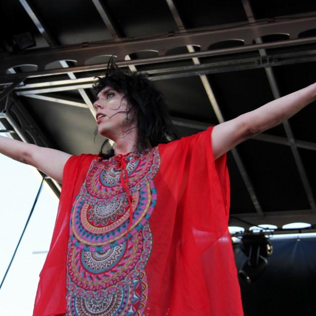 Vocalist Luke Spiller of The Struts, City of Trees, Bonney Field, Sacramento, CA. September 10, 2016. Photo Anouk Nexus