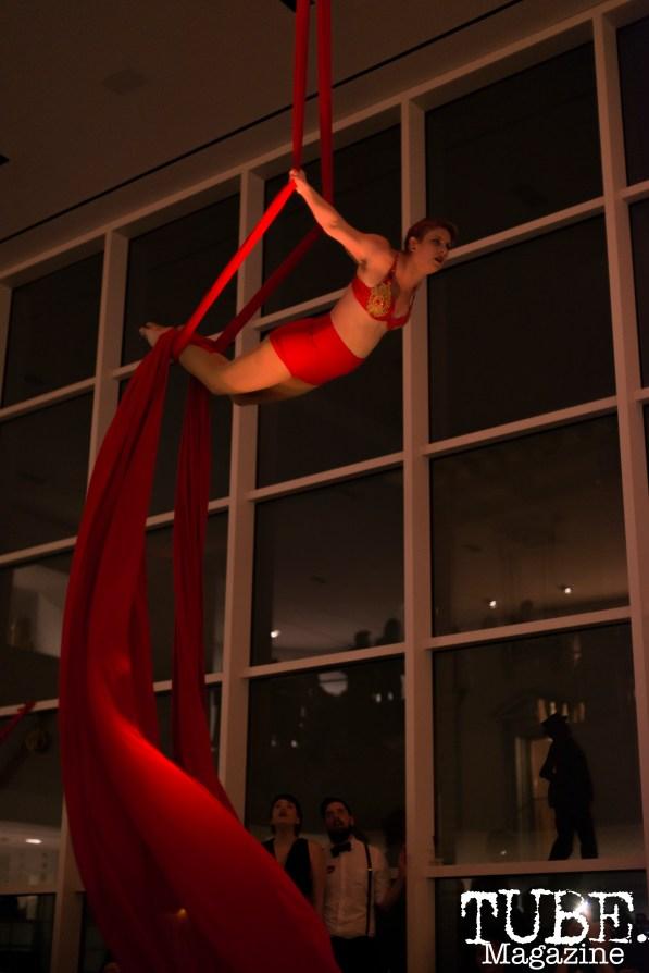 Sac Cirque performing at Vintage Swank ArtMix, Crocker Art Museum, March 2017. Photo Emma Montalbano