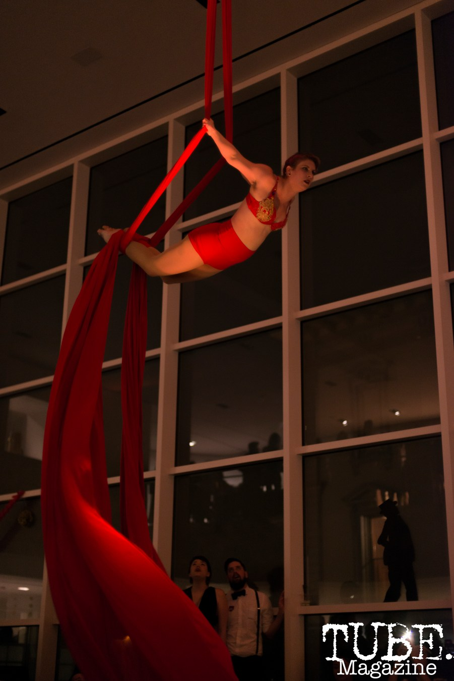 Sac Cirque performing at Vintage Swank ArtMix, Crocker Art Museum, March 2017. Photo Emma Montalbano