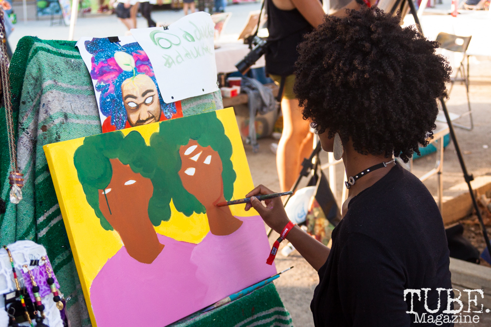 Duckee (@dduckee) painting at HOFDAY in Sacramento, CA (9/16/2017). Photo Cam Evans.