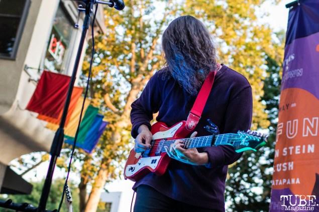 Guitarist Richie Smith of Trophii, THIS is Midtown, 20th street, Sacramento, CA. September 9, 2017. Photo Mickey Morrow