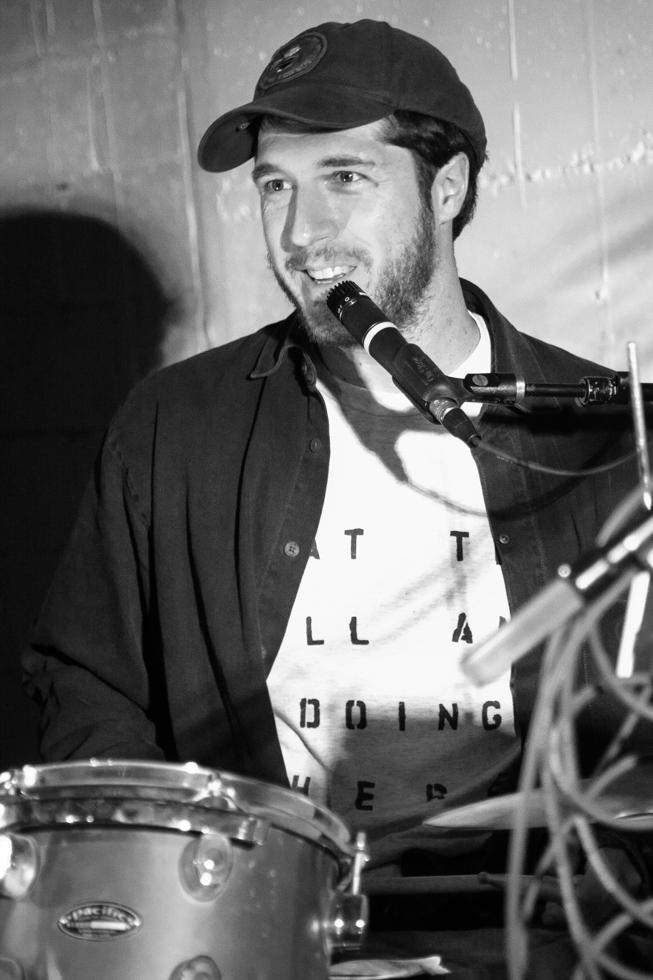 Doofy Doo (Drew Walker) performing at The Red Museum in Sacramento, CA (12/8/2017). Photo Cam Evans