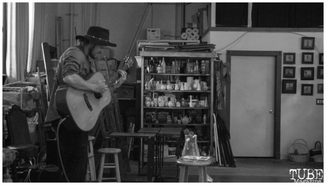 """Forest Bailey playing at Patris Studio and Gallery reception for """"The Broadway Rain Series"""" in Sacramento CA. May 4th, 2018. Photo Benz Doctolero"""