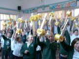 60-ukuleles-at-gretton-primary-school