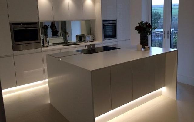 8 Ideas para decorar una cocina con tiras de LED  Tu casa