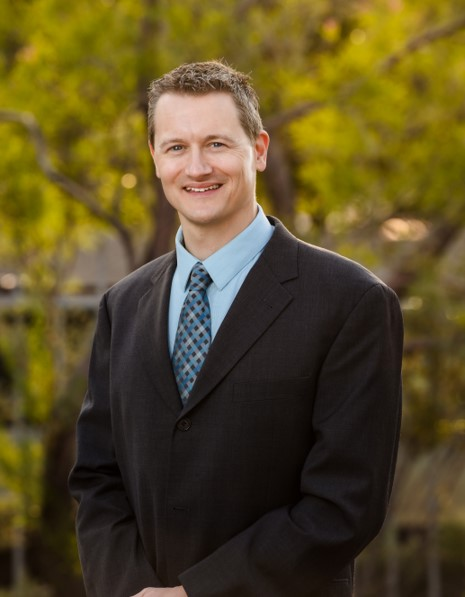 Dr. Christopher Tarr