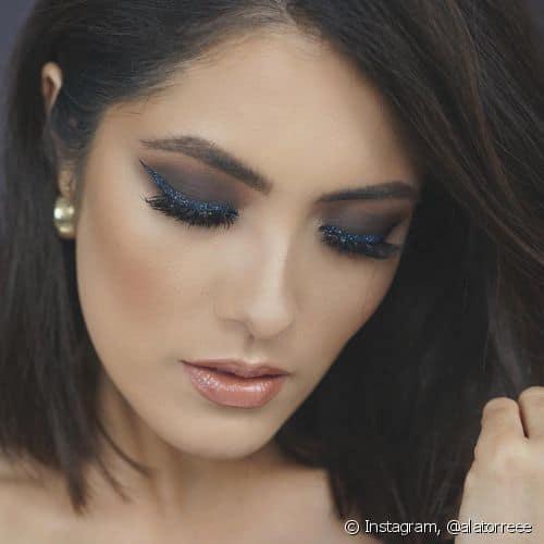 Maquiagem para usar com vestido azul