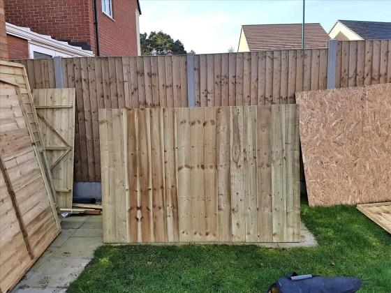 Shrewsbury-Shropshire-Carpenter-window-erecting-Shed0