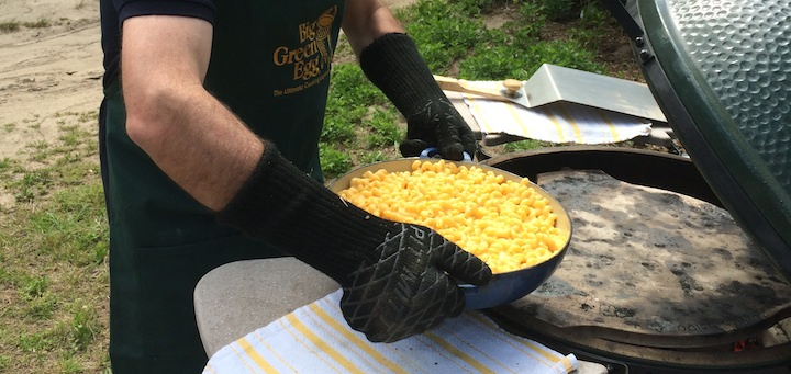 Baking mac and cheese on the grill