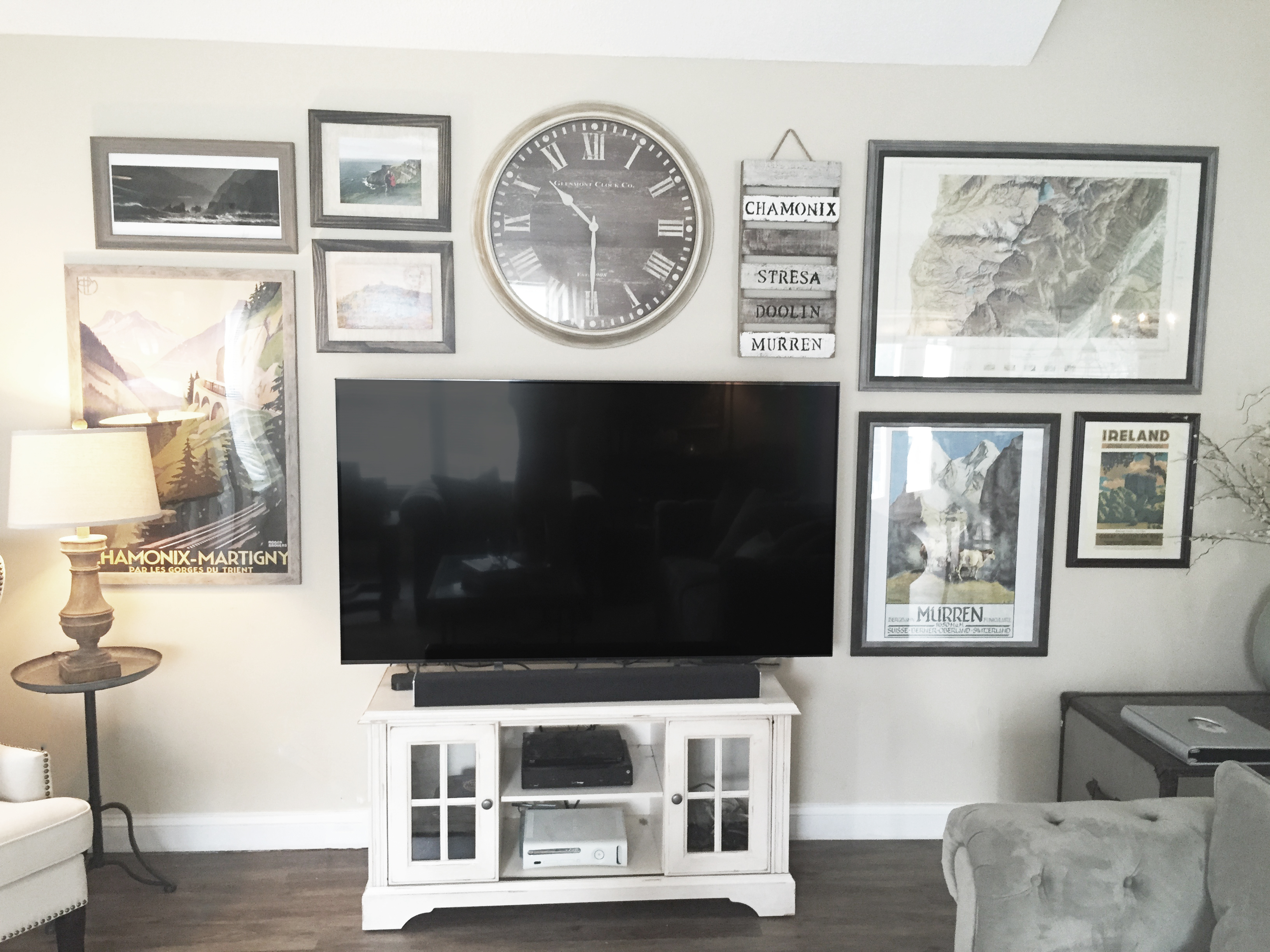 8 Creative Ways To Decorate Around Your TV Tuft Amp Trim