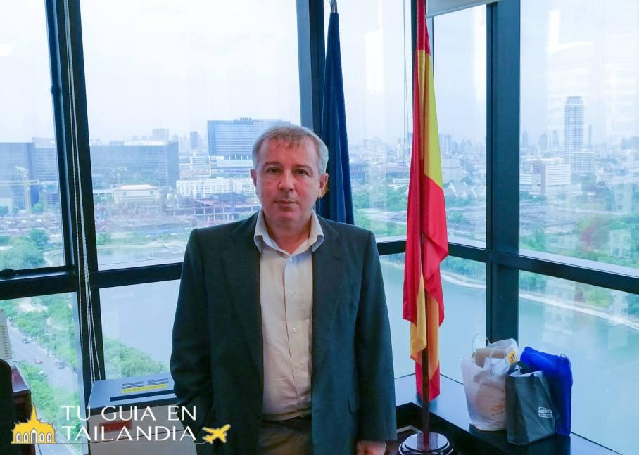 Entrevista al Embajador en Tailandia Emilio de Miguel Calabria.