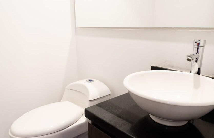 Se vende apartamento en Cedritos 3er piso - Baño social