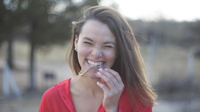 ¿Sabías que el no tener una sonrisa bella puede afectar nuestra autoestima?