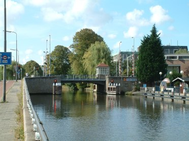 1200px-Voorburg_Oude_Tolbrug_(03)