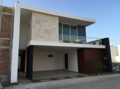 Diversos tipos de casas y amenidades en las Palmas y Residencial Marino