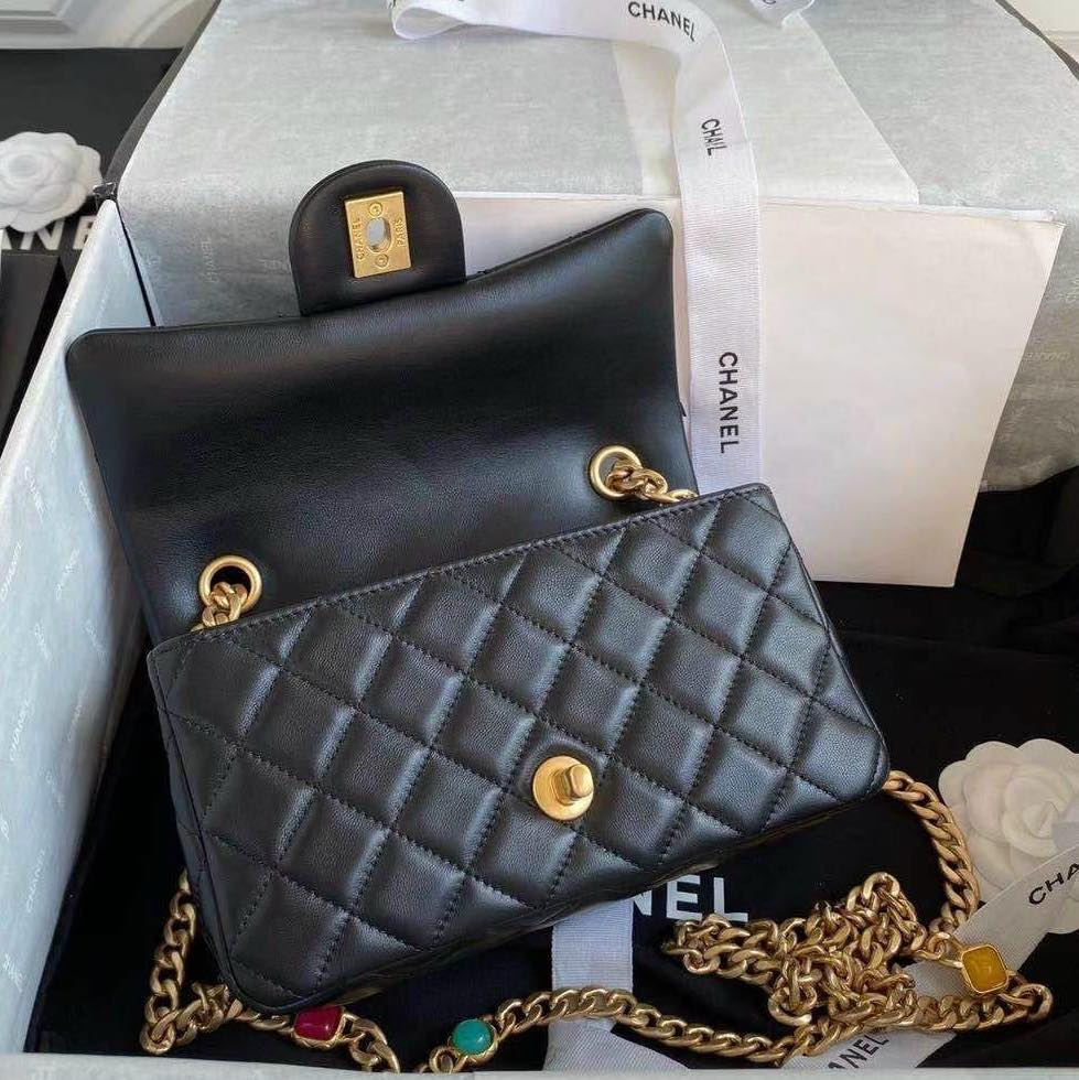 Túi Chanel FLAP BAG WITH RESIN & GOLD 2