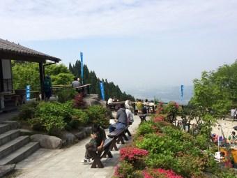 糸島の観光スポット白糸の滝から見た糸島市街