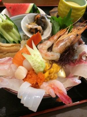 糸島の「朝日屋」の海鮮丼⑥