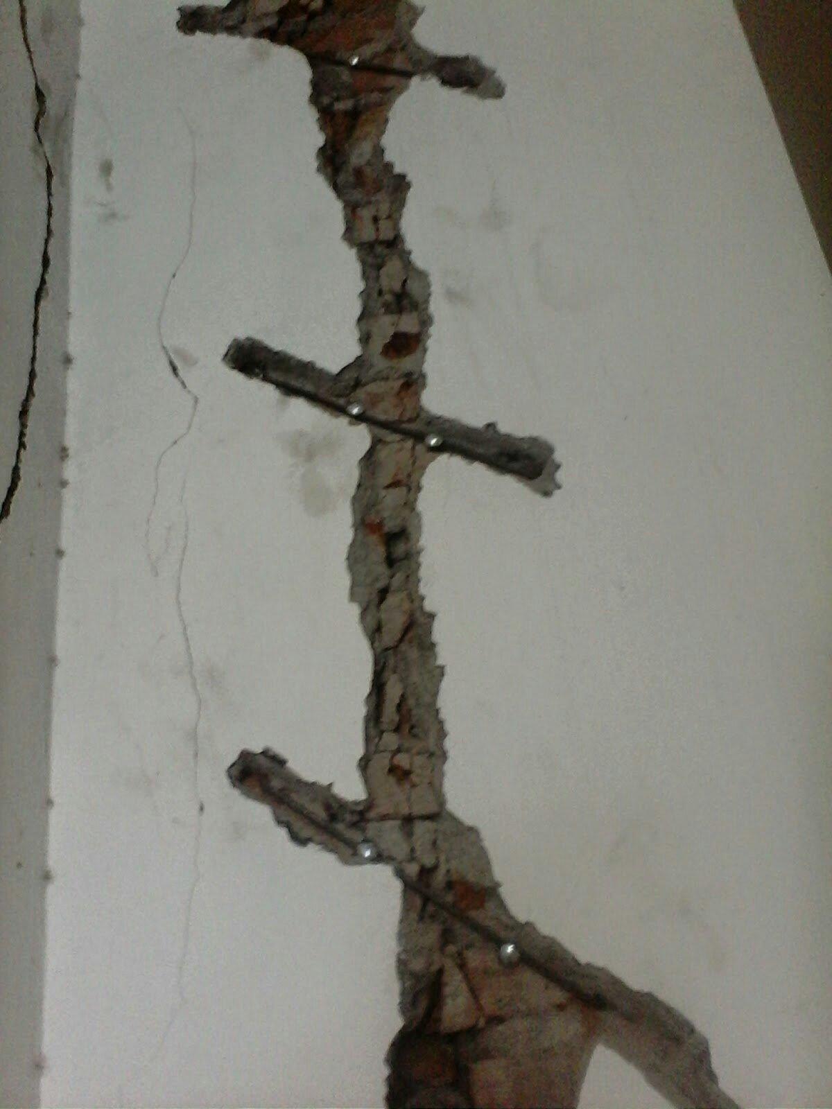 Memperbaiki Dinding Retak Struktur : memperbaiki, dinding, retak, struktur, Memperbaiki, Dinding, Retak, Dengan, Beton, Tukang, Bangunan, Cirebon