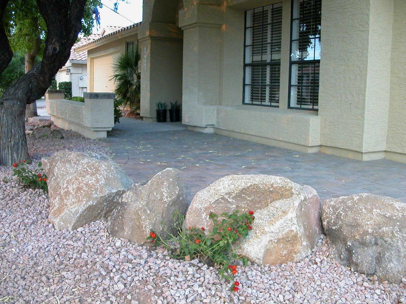 Boulders & pillars