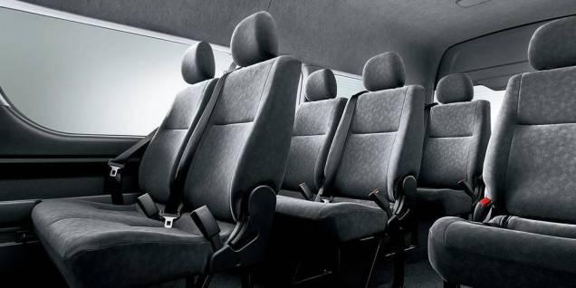 Hiace-Wagon-interior