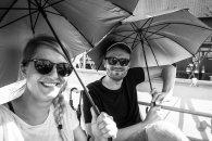 Sonnenschirme zur Jazzbootfahrt