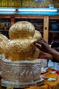Goldablagerung an Buddha