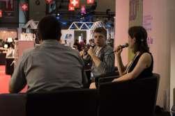 Pierre Fankauser, Pierric Tenthorey et Anne-Frédérique Rochat sur la scène de la Place suisse du Salon du livre de Genève © Sandra Hildebrandt