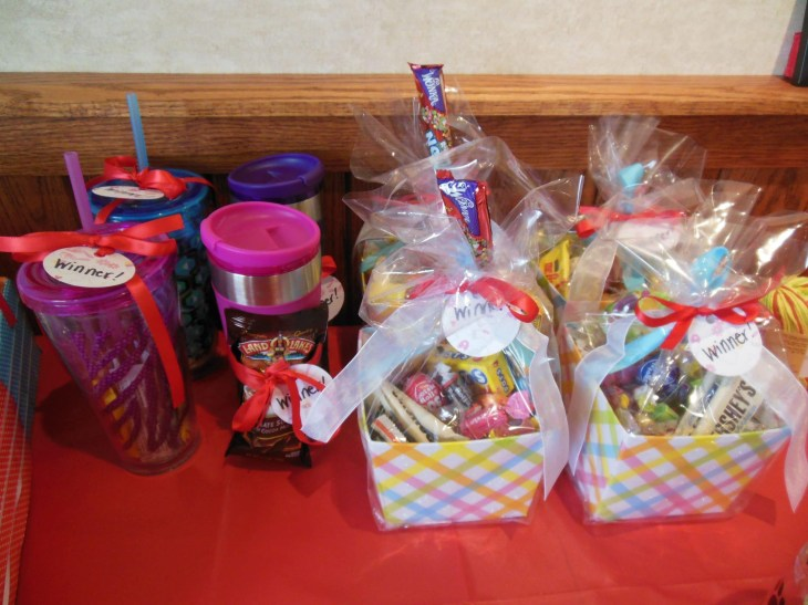baby shower prizes - goody bags