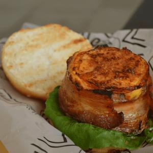 CAMBIO IMAGEN Juicy Burgers CALI