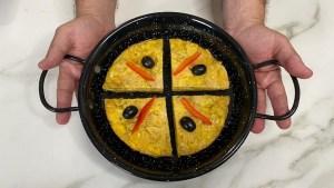 Cómo hacer una Tortilla de Patatas con Papas de Paquete, Receta Fácil