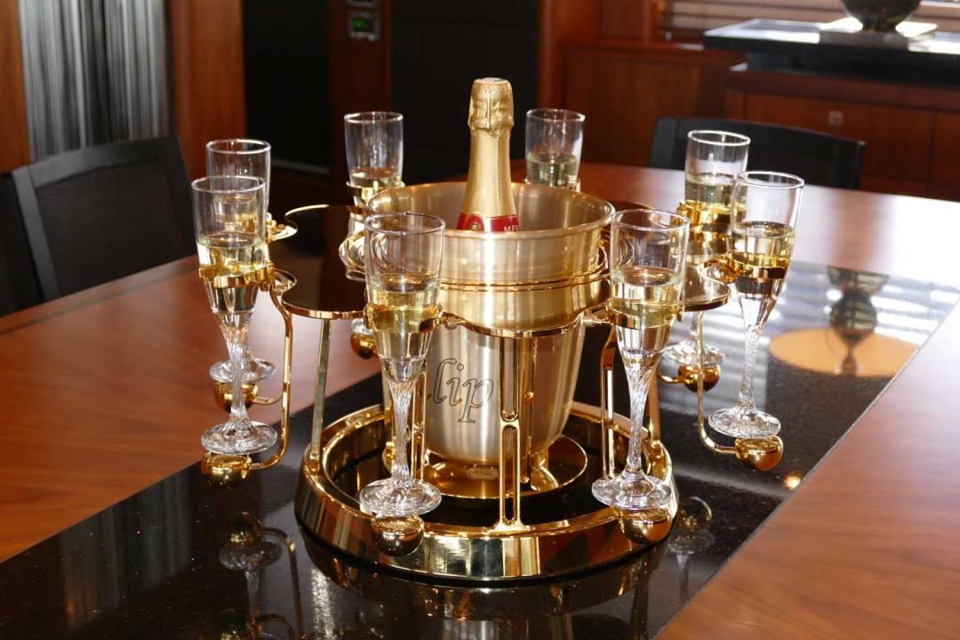écrin à champagne de luxe or édition sur yacht