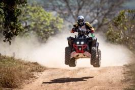 Pedro Henrique Costa, piloto da Equipe QuaTrilha do Cerrado Rally Team nos quadriciclos do Rally dos Sertões 2015. Crédito: Marcelo Machado/Foto Arena/VIPCOMM