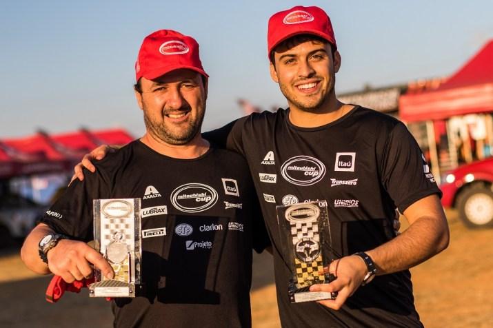 Ivo Mayer e Ricardo Feltre celebraram vitórias nos dois dias, com o ASX RS Crédito: Cadu Rolim/Mitsubishi