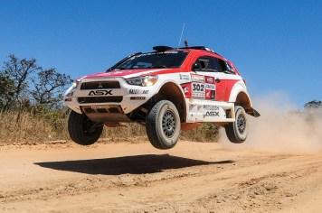 Guiga e Youssef estão satisfeitos com o ASX Racing Crédito: Doni Castilho / Mitsubishi
