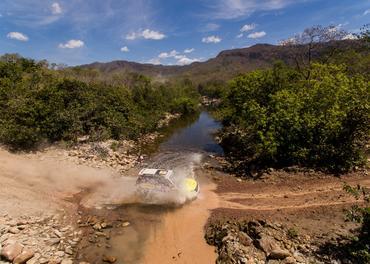 Equipe de Apucarana (PR) esteva a bordo do Mitsubishi Pajero Full 3D (Marcelo Maragni/Fotop)