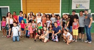O Rally de Holambra também teve ação social com as crianças locais (Thais De Beraldini/Liberdade de Ideias)