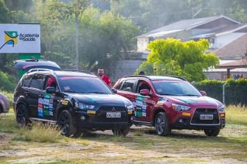 Nação 4x4 coloca seus Mitsubishi à prova nas trilhas off-road. Foto de Tom Papp/Mitsubishi