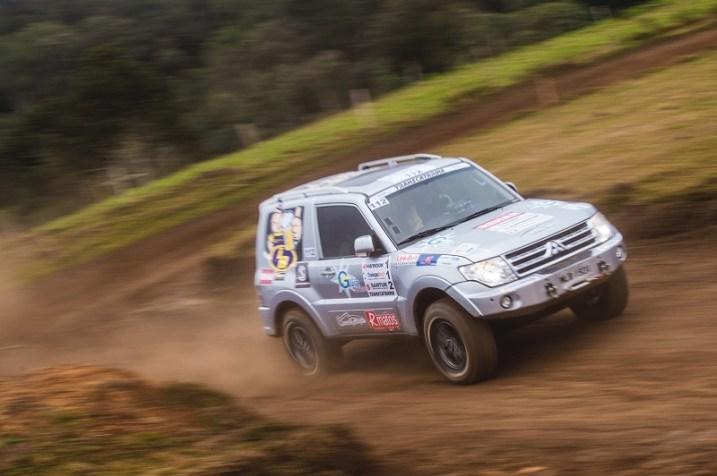 No Transcatarina é comum competidores virarem também apoiadores do evento (Victor Eleutério/DFotos)
