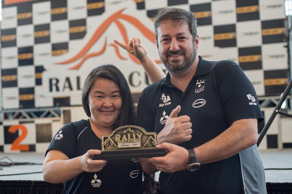 Campeões na geral e na Pró Brasil do Rally Cuesta Off-Road 2017 (Gustavo Epifânio/DFotos)