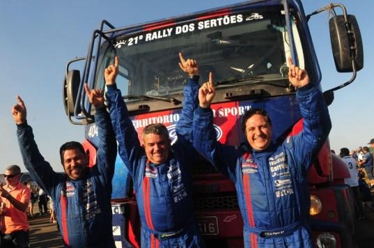 Campeões no Rally dos Sertões 2013 (Caminhões Pesados) (Fabio Davini/Dfotos)