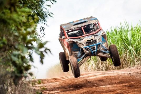 Bruno Varela a bordo do Can-Am Maverick X3 Crédito: Gustavo Epifânio/DFotos